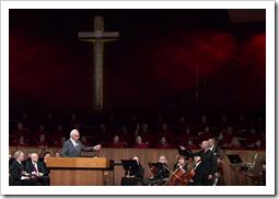 Dr John MacArthur being rebuked by a Scottish 'prophet' named John O'Niell (Source: YouTube/Screengrab)