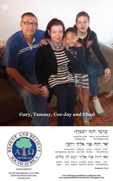 Luke 9.23 Evangelism Family Pic