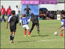 Malachi Momplé and 'Kofi' Atta vs. Savages Blue