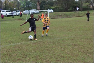 "Andile Ngwane clearing in defence vs. Easterns ""A"""